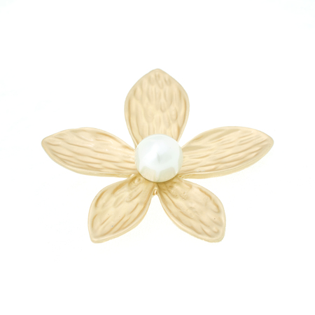 golden brooch flower with pearl isolated on white Banque d'images
