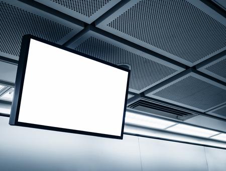Blanco LCD-scherm mock up banner in metrostation Stockfoto