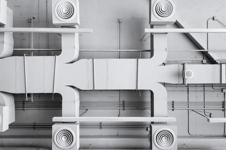 sistemas: sistema de ventilación de la instalación de aire acondicionado en el edificio