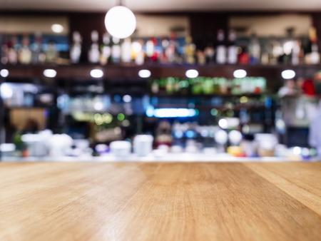 内部背景がぼやけたバー レストラン カフェ テーブル トップ 写真素材