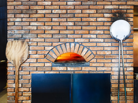 woodfire: Pizza oven Brick fire Italian cooking Tradition style Restaurant