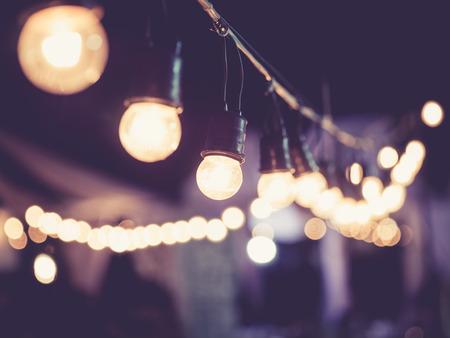 celebra: Luces de la decoraci�n Vintage tono exterior festival Foto de archivo