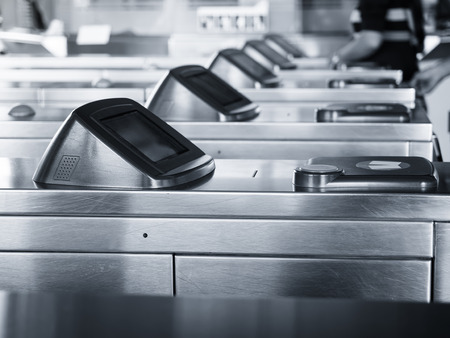 Entrée technologie tactile Porte billets Accès station publique Banque d'images