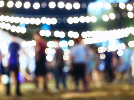 Festival-Ereignis-Party mit unscharfen Hintergrund Menschen Standard-Bild - 54148026
