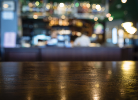 barra de bar: Tabla encimera con borrosa Bar Restaurante Antecedentes