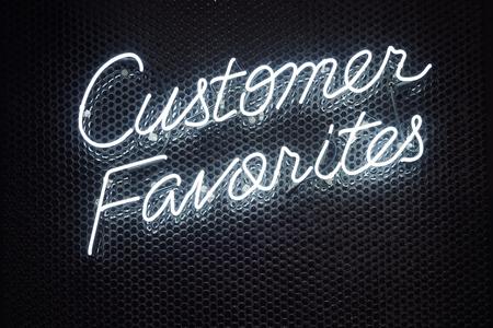 네온 문자 글씨체 스크립트 가벼운 유형의 소매점 비즈니스 Signage 고객 즐겨 찾기 스톡 콘텐츠