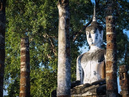 スコータイ歴史遺産タイ仏像建築列