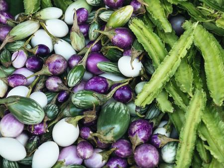 태국어 가지와 날개 콩 신선한 야채 현지 시장