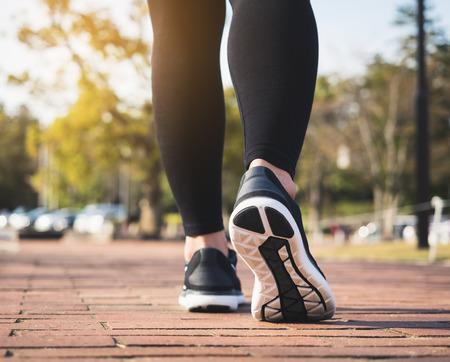 People Legs Sport shoe walk jogging exercise Park Outdoor  Banque d'images