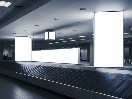 Mock up Media advertisement light box Airport Baggage carousel Banque d'images - 101151811