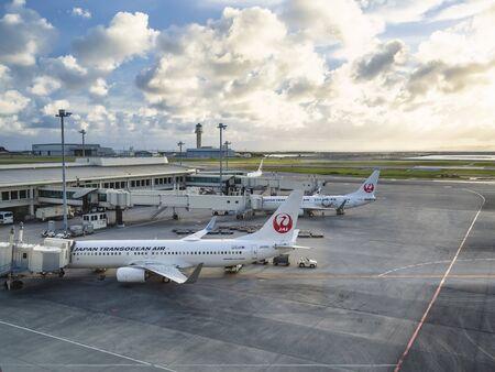 OKINAWA, JAPAN - SEP 3, 2019 : Japan Airlines JAL aircraft on runway at Naha Airport Okinawa Japan 報道画像