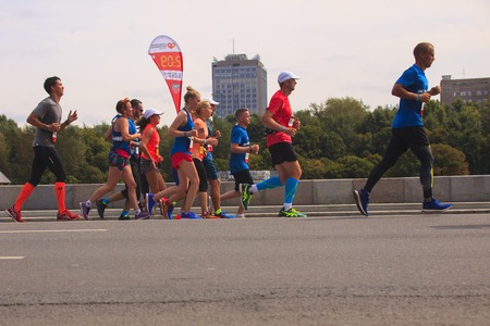 pacemaker: Pacemaker lead group runners . Moscow Music Half Marathon August 14, 2016