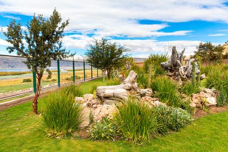 invitando: Hotel de lujo y bonito patio y el jard�n en el lago Titicaca, Per� en Am�rica del Sur Editorial