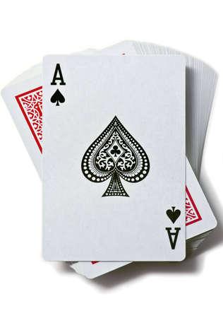 jeu de cartes: ACE de pique est sur le pont de cartes