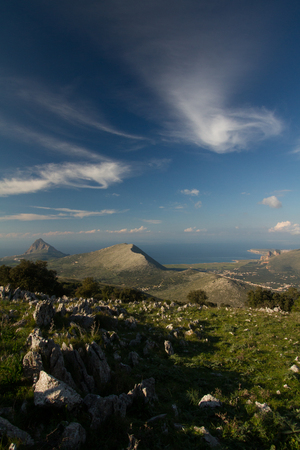 Landscape of a Sicilian coast, with the view of San Vito Lo Capo and Hood Mountain 版權商用圖片
