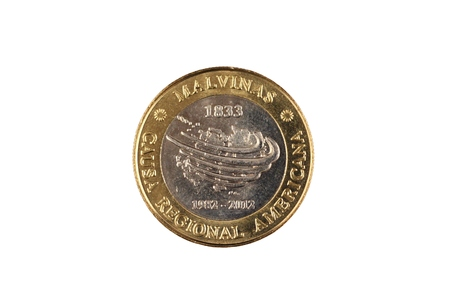 A close up image of a bimettalic Argentinian two peso coin isolated on a white background Banco de Imagens - 116266224