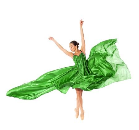 silk fabric: bailarina de ballet en el salto de volar en los tejidos aislados sobre fondo blanco