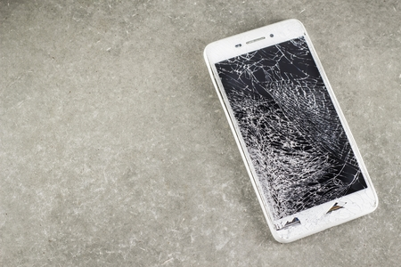 careful: mobile touch screen is broken, mobile display damage from height drop, mobile user is not careful,