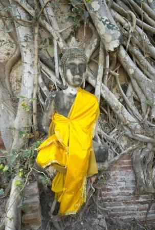 Aged and ruin buddha image, Wat phra sri sanphet Ayutthaya Thailand photo