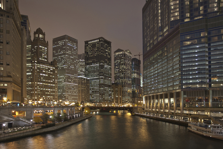 Night view of the Chicago River from Michigan Avenue
