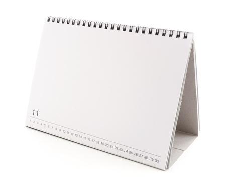 calendario: calendario de escritorio en blanco con copia espacio para el texto, diseño gráfico y aisladas sobre fondo blanco