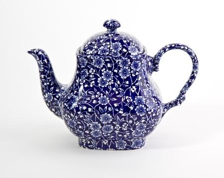 Ozdobny niebieski czajniczek china