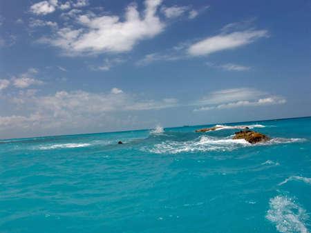 파란 휴가 배경. 여행 목적지 : 카리브해, 칸쿤, 멕시코 스톡 콘텐츠