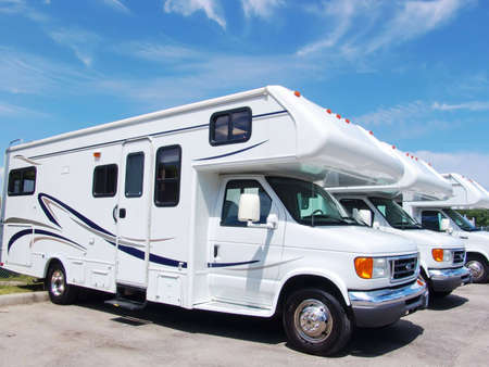 motor home: New recreational vehicles for rent