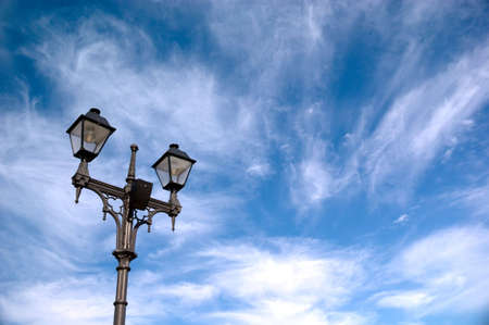 Streetlight on blue sky background. Dymamic cloudscape. 免版税图像 - 5426354