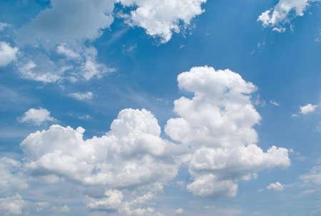 하늘 배경입니다. 하늘과 구름 배경입니다. 구름