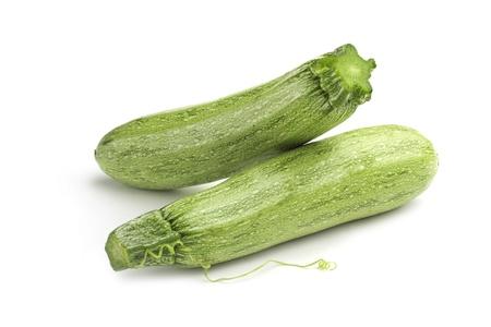 médula: dos calabacín verde claro sobre fondo blanco