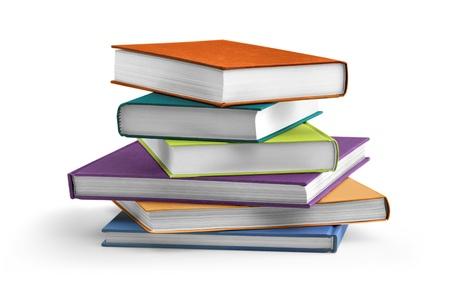 stack van multi gekleurde schoolboeken op witte achtergrond