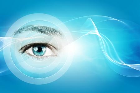 monitoreo: resumen de fondo azul con el primer del ojo humano Foto de archivo