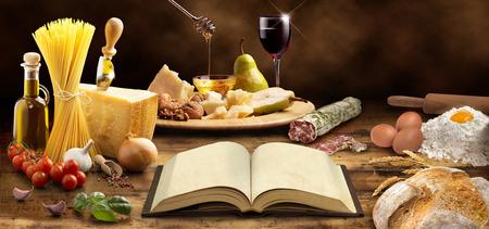 요리 책과 지중해 요리의 재료