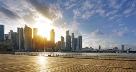 シンガポールの中央ビジネス地区とプロムナード アット サンセット