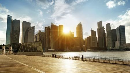 centrale zakendistrict van Singapore bij zonsondergang