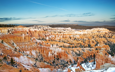 wonder: panoramic view of rock formations in Bryce Canyon