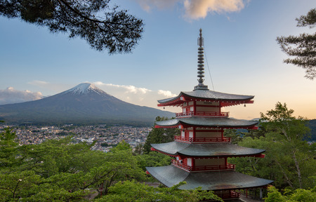 View of Mount Fuji from the Chureito Pagoda in springtime Stock fotó