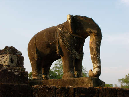 Siem Reap, Cambodia, April 8, 2016: Elephant carved in stone at the East Baray temple in the Khmer temple complex of Angkor 新聞圖片