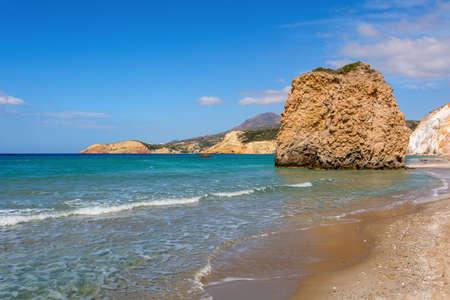 Rock formations and sea water on Firiplaka Beach, Milos island. Cyclades, Greece. Standard-Bild