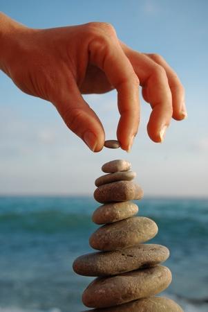 balanza: Torre de piedra Foto de archivo