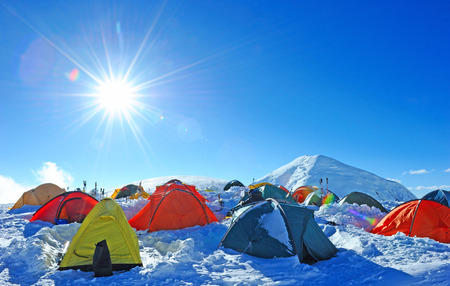 Tents of climbers high in the mountains 版權商用圖片