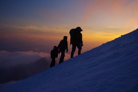 エベレストの登山者のグループ 写真素材