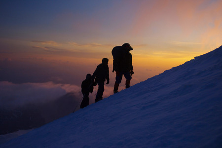 everest: Group of climbers on the Everest