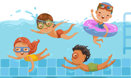 Jungen und Mädchen in Badebekleidung schwimmen in einem Kinderbecken. Unterwasserblick und auf Wasser. Kinder haben Spaß. Urlaub in den Sommerferien Mit Freunden teilen. Sport und Schwimmen im Wasser der Kindheit.