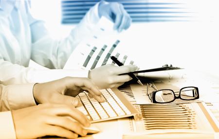 contabilidad financiera cuentas: Contabilidad de negocios Foto de archivo
