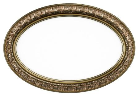 Klassieke ovale fotolijst of spiegel op wit wordt geïsoleerd