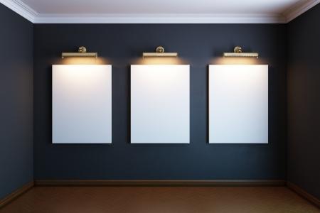 gallery interieur met drie gouden leeg frame en aanstekers zwarte versie Stockfoto