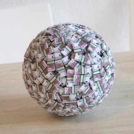 liquidity: Sphere Made Up Of 500 Euro Money