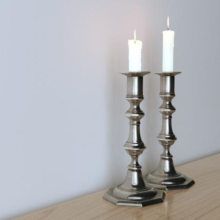 shabat: Candelabros retro con velas encendidas sobre la superficie de madera